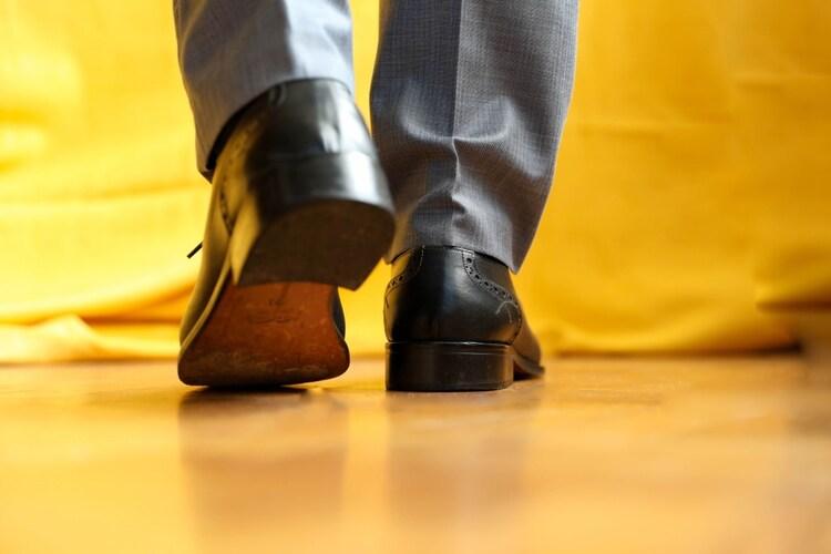 足元のシルエット|パンツの裾の長さに注意