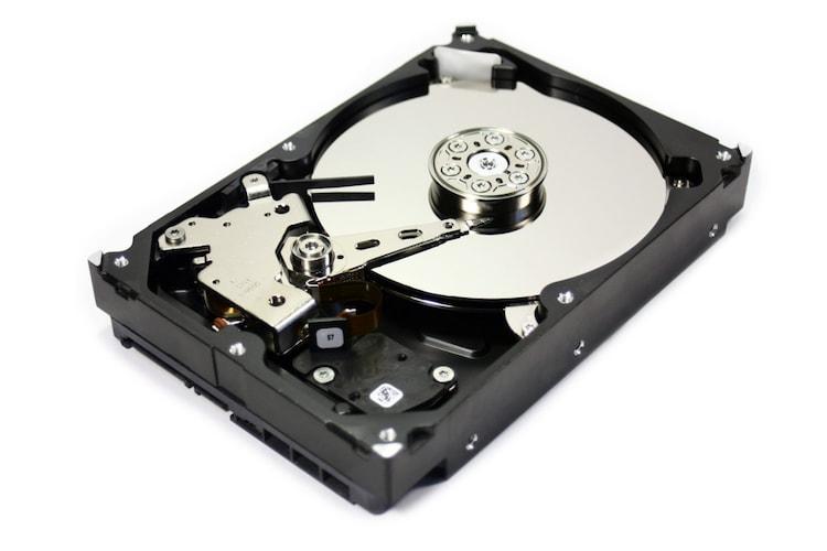 ストレージ容量 HDDやSSDを使ってデータを保存する