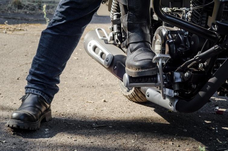 バイクブーツを取り入れるメリットは2つ!