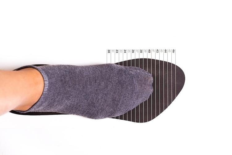 サイズ|普段履いているものより0.5cm大きめを目安に