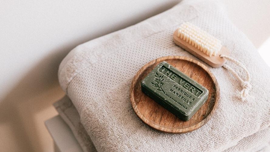 ▼「化粧石鹸」は良い香りで洗顔・洗髪におすすめ