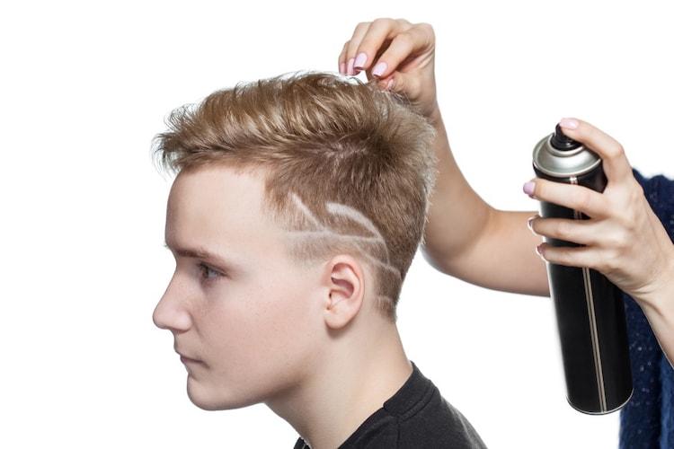 ヘアスタイルを長時間キープしてくれるメンズヘアスプレー