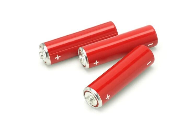 どこでも手軽に使える「乾電池式」