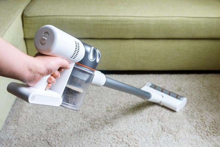 ・ワンルームも楽にお掃除できる「スティックタイプ」