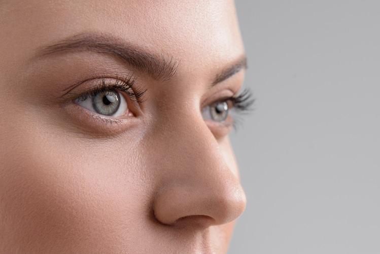 眉ティントは涙袋にも使用可能?