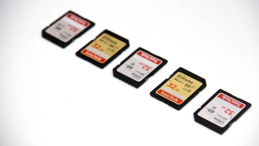 外部メディア|接続可能なメモリをチェック、無線通信できるものも
