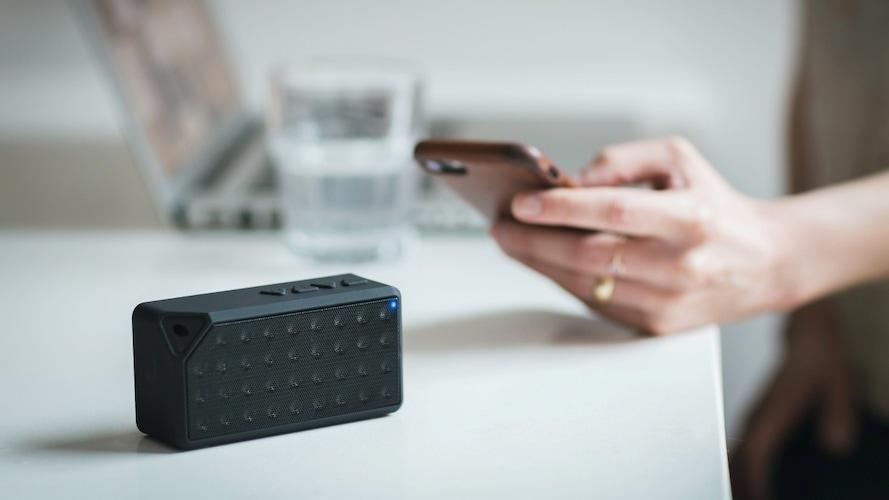 Wi-Fi対応|メールやクラウドにアップされた写真を自動で再生