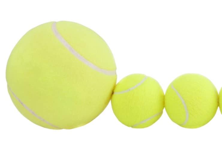 大きいボールはサインや寄せ書きに