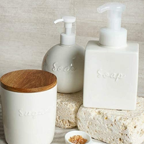 ・温かみや高級感のあるデザインが特徴的な「陶磁器」