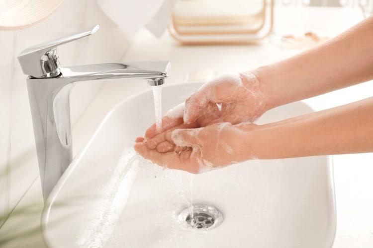 ・濡れやすい水回りでも安心「防水仕様」|