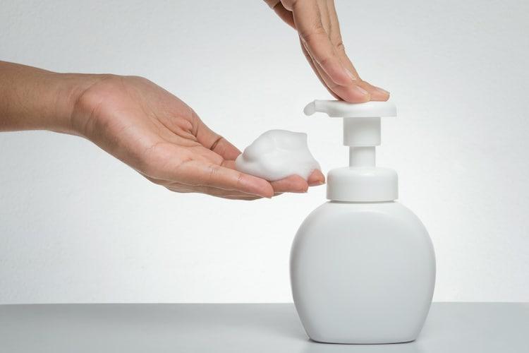 ・手間をかけず洗える「泡タイプ」