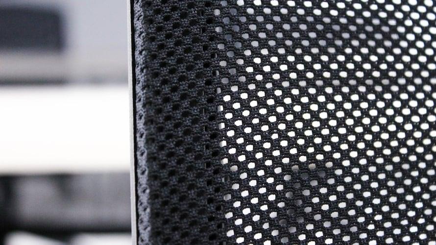 素材|適度な硬さの「布」、蒸れを軽減「メッシュ」、高耐久の「レザー」