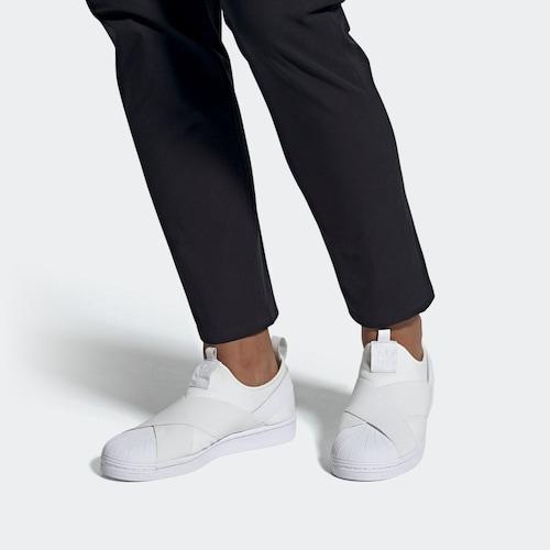 ・歩きやすさ重視派には「スニーカータイプ」