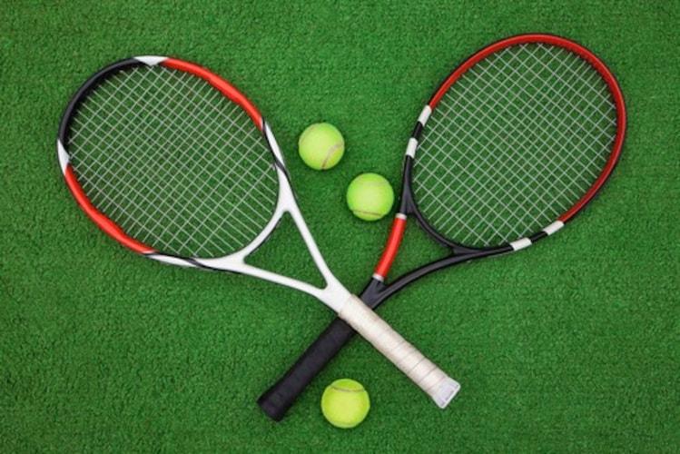 ソフトテニスラケットと硬式テニスラケットの違い
