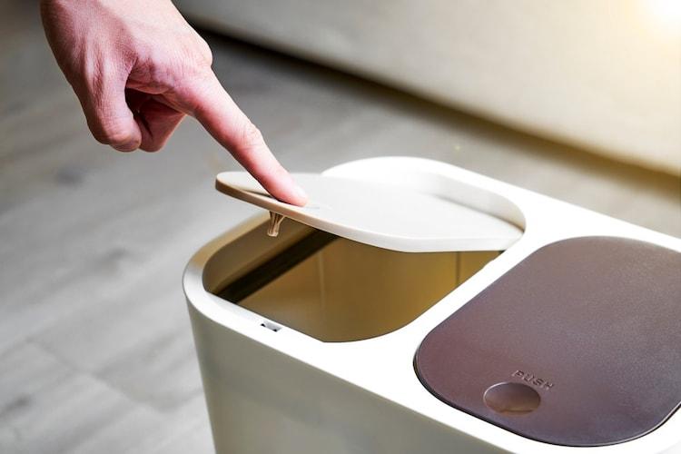 手動タイプ|ボタン押してゴミを吸引