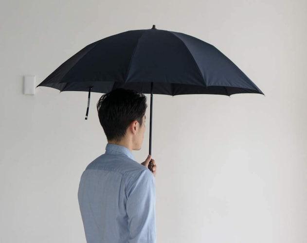 傘のサイズ|直径は肩幅よりも大きめが濡れにくい!親骨の長さにも注目