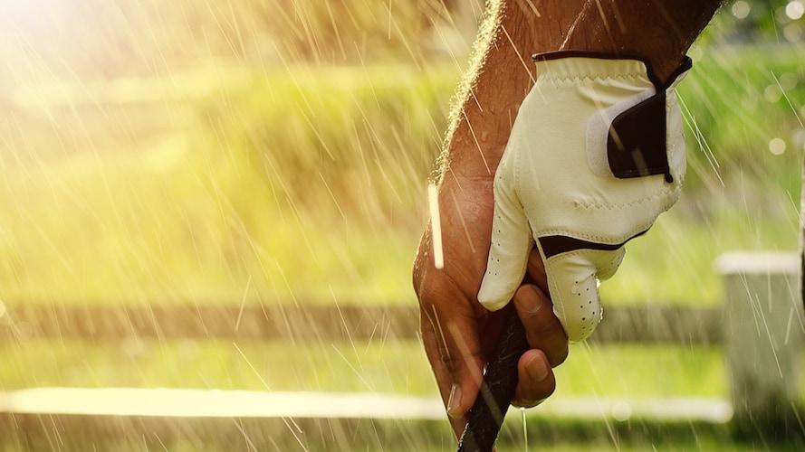 透湿度|8,000~10,000g/㎡以上なら快適にプレー可能!