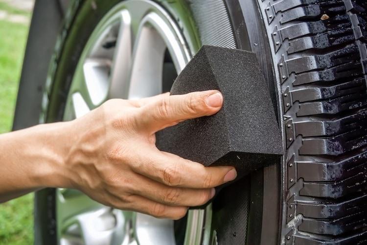 タイヤワックスの使い方のポイント