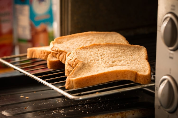 便利機能|トースト機能があると便利!パンやお菓子は2段調理がおすすめ
