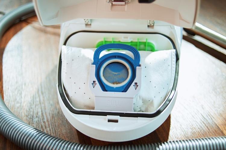 紙パック交換|ごみが8割程度たまったら替え時