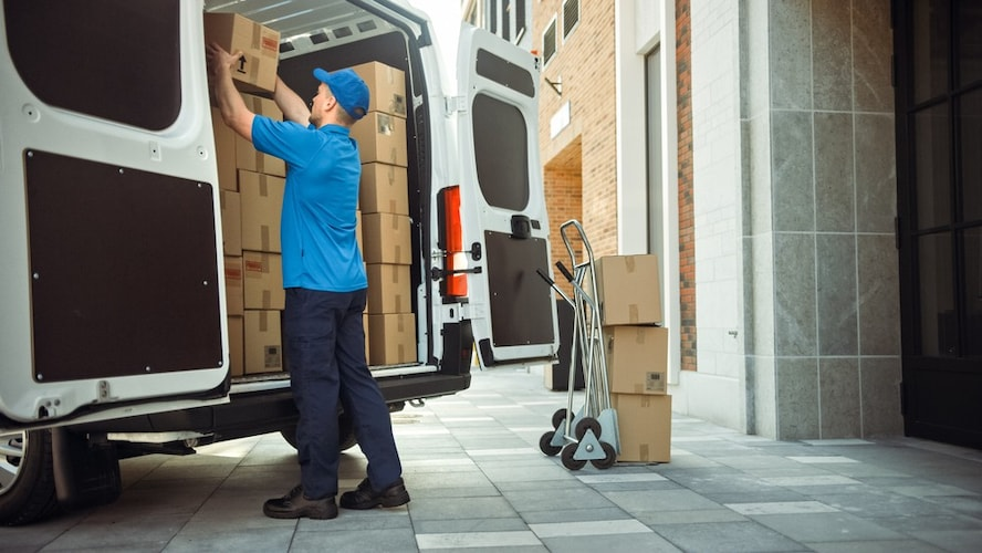 2.新しい冷蔵庫の購入時に引き取ってもらう方法も!対応の有無を確認