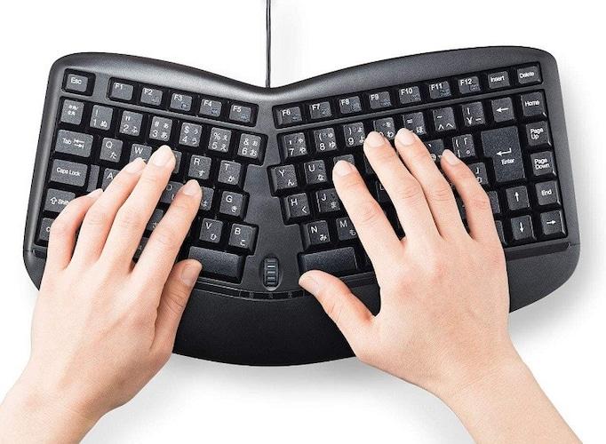 ▼エルゴノミクスキーボード|人間工学に基づいたデザイン