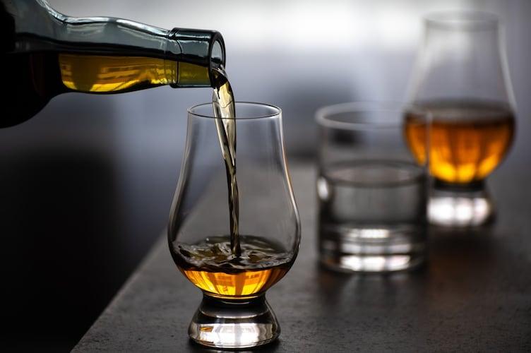 シングルモルト|蒸留所の個性を味わえるウイスキー