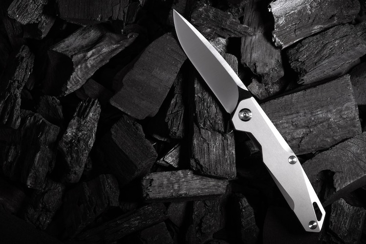 アウトドアナイフの持ち運ぶ際の注意点