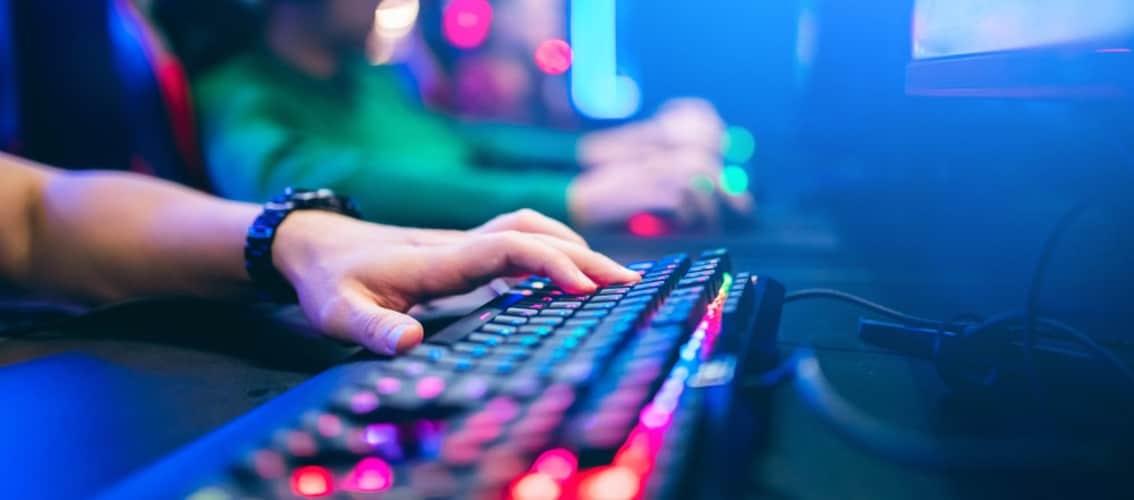 ゲーミングキーボードの特徴やメリットとは?