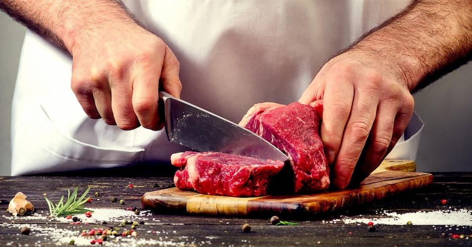 使用部位|定番のもも肉はうま味がたっぷり楽しめる
