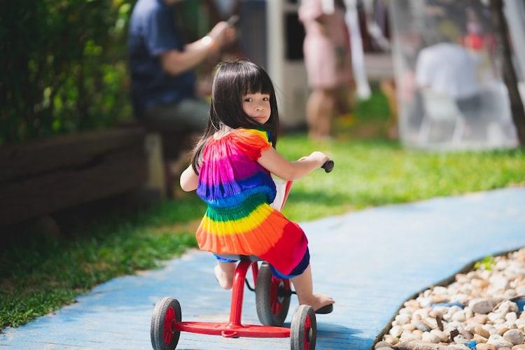三輪車はいつから乗れる?