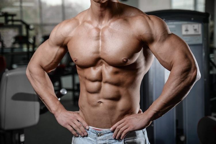 筋肉を強化して自信の持てる引き締まった体に
