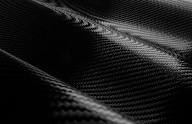 素材|コスパの良い「アルミ製」とブレ対策に強い「カーボン製」
