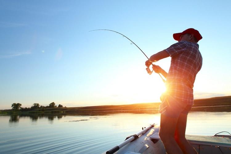 ▼レバーブレーキ搭載タイプ:シーバス釣りにおすすめ