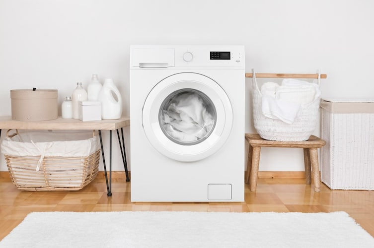 レディース水着の洗い方は?乾燥機にかけられるのかも解説