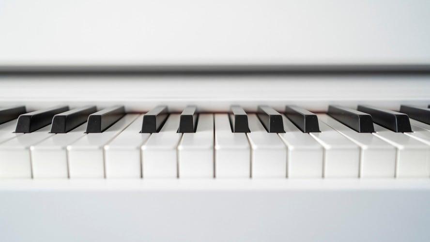 電子ピアノの鍵盤