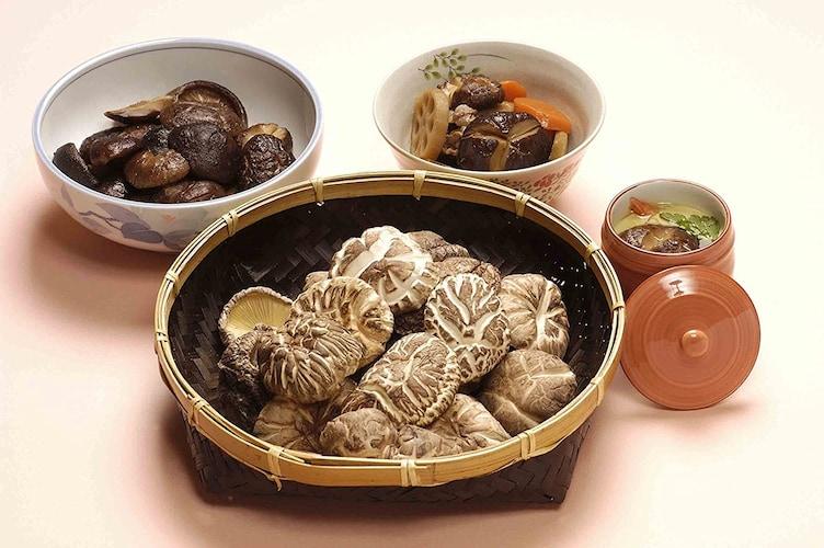 種類|安価で他の食材とも合わせやすい「香信」、歯ごたえ抜群「冬菇」