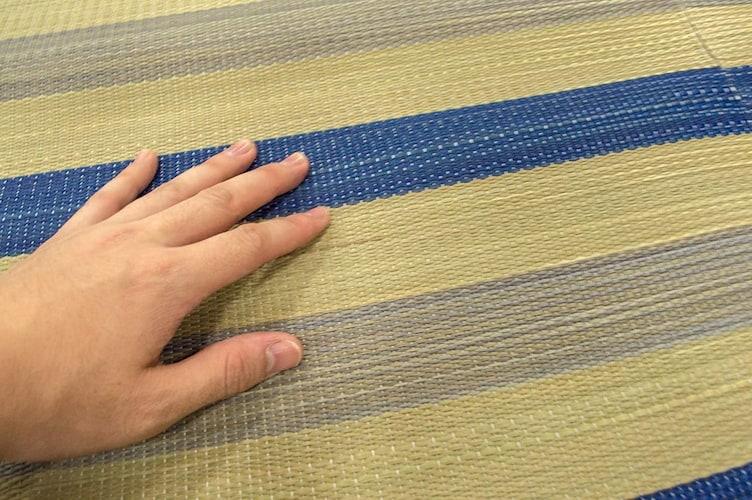 厚み|冬も使える厚手、見た目がいい薄手