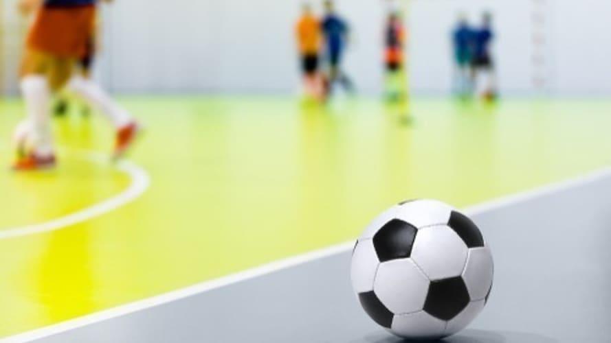 サッカーボールとフットサルボールの違いとは?