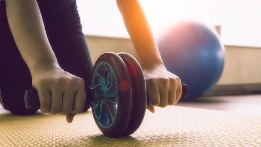 腹筋ローラーの基本的・効果的な使い方