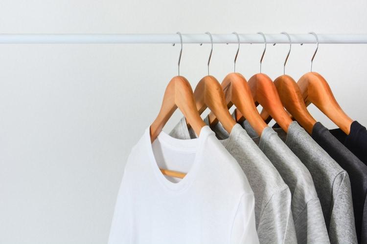Tシャツはハンガーにかけてもいい?ハンガーの捨て方は?