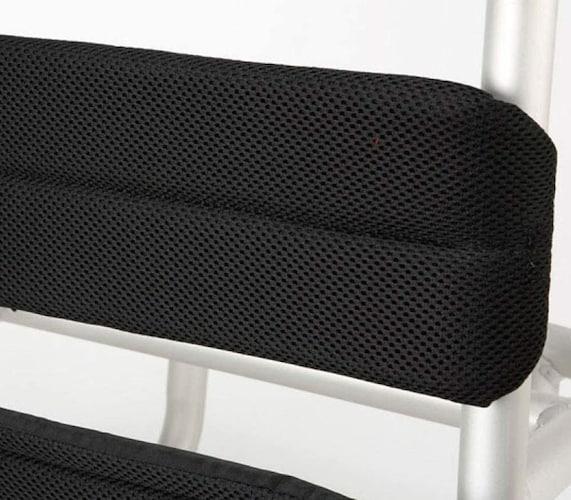 背面素材 クッション性・通気性の高いものがベスト
