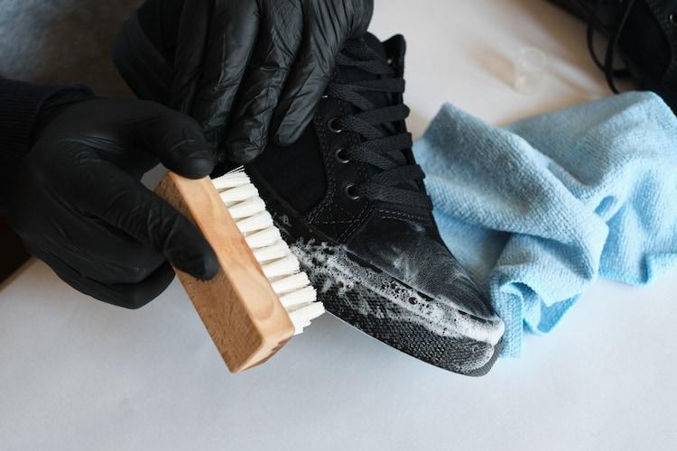 スニーカーの簡単お手入れ方法