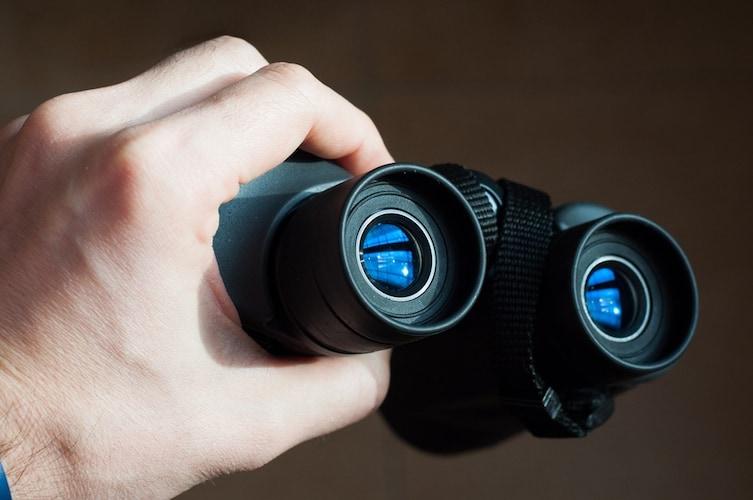 レンズの明るさ|「ひとみ径」の大きさでチョイス