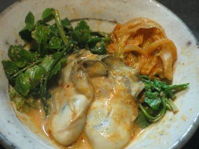 牡蠣とセリの豆乳キムチ鍋