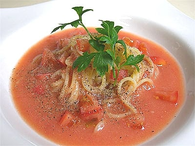夏におすすめ、トマトスープパスタ