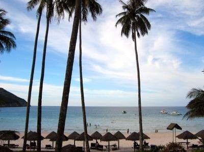 非日常へと誘ってくれる究極のリゾートが豊富なマレーシア。都心部よりホテル代はやや高めの設定です