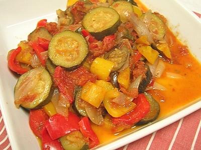 夏野菜もりだくさんのラタトゥイユ
