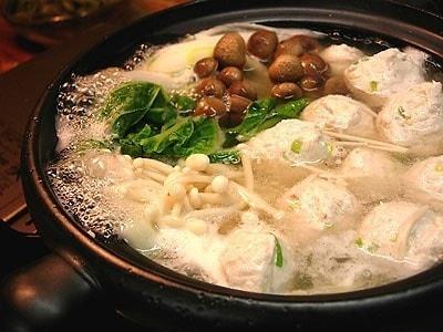 鶏つくね鍋の人気レシピ!ヘルシーで美味しいスープの鍋料理