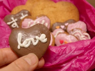 バレンタインに、デコレーションクッキー